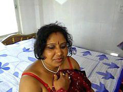 Mamma, امي هندي mom indian, Indian son, Scopata da amici, Mamme scopate, Mamma figlio son mom