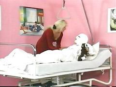 แอบพยาบาล, จีย, รูปนางพยาบาล, นางพยาบาล, พยาบาล