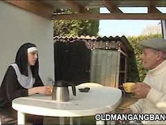 جراند, معصية, الجد مع الجد, الجد ه, راهبات, راهبة