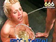 Rubia mamando, Puta rubia, Conjunto de tres