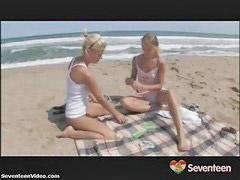 Tieners likken, Teen lesb, Lesbische tieners, Teen lesbo, Teen lesbi, Likken