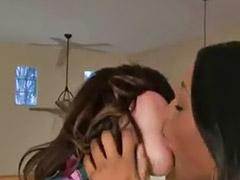 تقبيل بنات, بنات سحاقيات, مني فتيات, مني بنات, قبلة بنات, قبلات مني