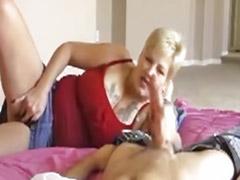 Азиат и блондинка, Зрелые ласковые ручки, Мастурб зрелая, Мамаша мастурб, Короткие волосы, зрелые, Короткие волосы,