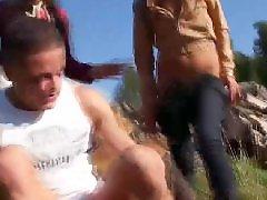 Tizen éves csajok szopnak, Fiatal kislány baszik