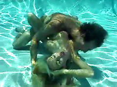 Underwater mıx, Underwateer, Underwater