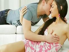 جنس رومانسي, فموي صغار, صغيرات لحس, شاب رومانسي, سمراوات صغيرات, سكس رومانسى ازواج