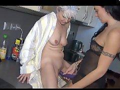 Lesbianas en la cocina, Abuelita lesbiana, Lesbiana
