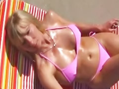 Reifes paar masturbiert, Reifen reife masturbieren, Draussen masturbieren, Geile blondinen, Blonde ,reife, Blond draussen