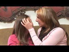 Nella lesbian, Ragazzine lesbiche