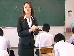 Zaučená, Učiteľ
