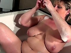 Saggy tits, Saggy