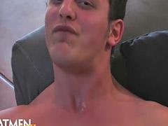 เกย์ชักว้าวน้ำแตก, เกย์ชักว่าวน้ำแตก, ชักว่าวน้ำแตกใส่หน้า