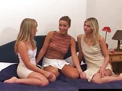 三女同性做爱, 三人床, 三片b, 一家三口, 三p性交, 三p