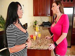 Hot mom, Holly halston, Moms, Mom hot
