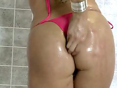 Gianna michaels, Gianna, Gianna bus, Giann, Busty shower, Giannaمخفي