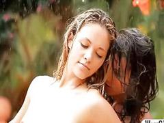 Taytlı lezbiyenler, Kilotlu çoraplı lezbiyen, Lezbiyen esmer, Esmer lezbiyen, Sıska lezbiyen