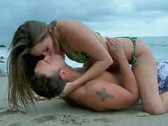 Babe, Babes, Bikini