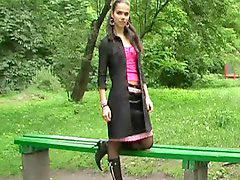 Stivali, In pubblico