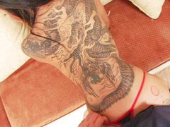 Chica tatuada, Tatuada, Tatuadas, Niñas, Con niñas
