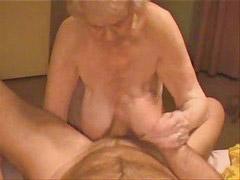 Muy abuelitas, Abuelita