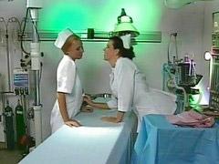 Hemşire lezbiye
